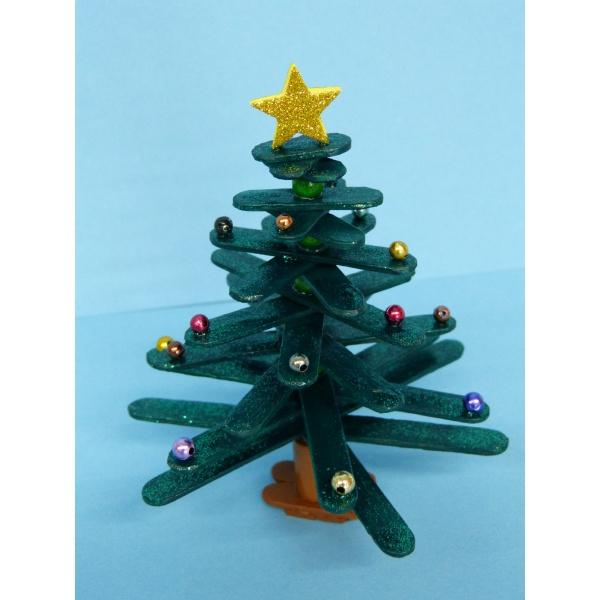 weihnachtsbaum basteln eine nette bastelanleitung zum. Black Bedroom Furniture Sets. Home Design Ideas